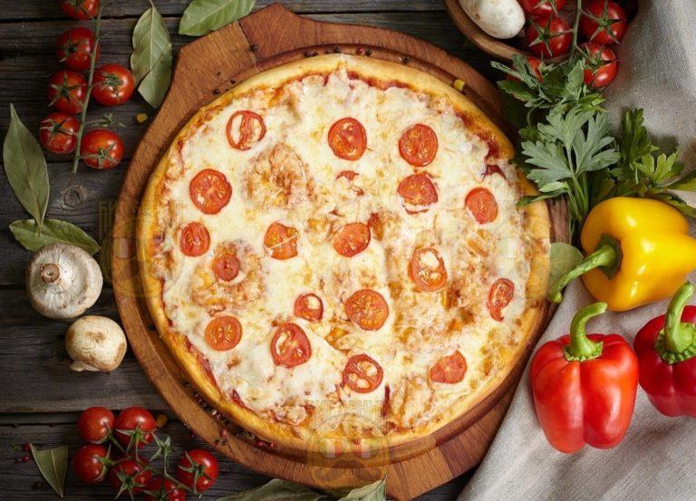 """Пицца """"Маргарита"""" от Big Benny. Полный вид"""
