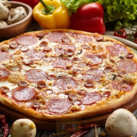 Фирменная пицца Big Benny. Полный вид