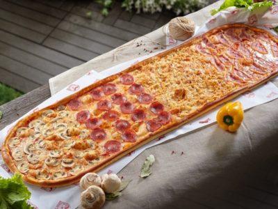 """Метровая пицца """"4 сезона"""" от Big Benny. Полный вид"""