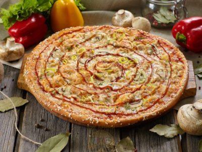Пицца Чикен Барбекю от Big Benny.